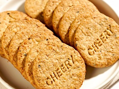 趣园888克低糖麦麸饼干